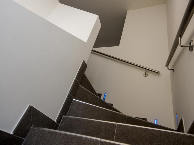 gallery-pure-escalier-led